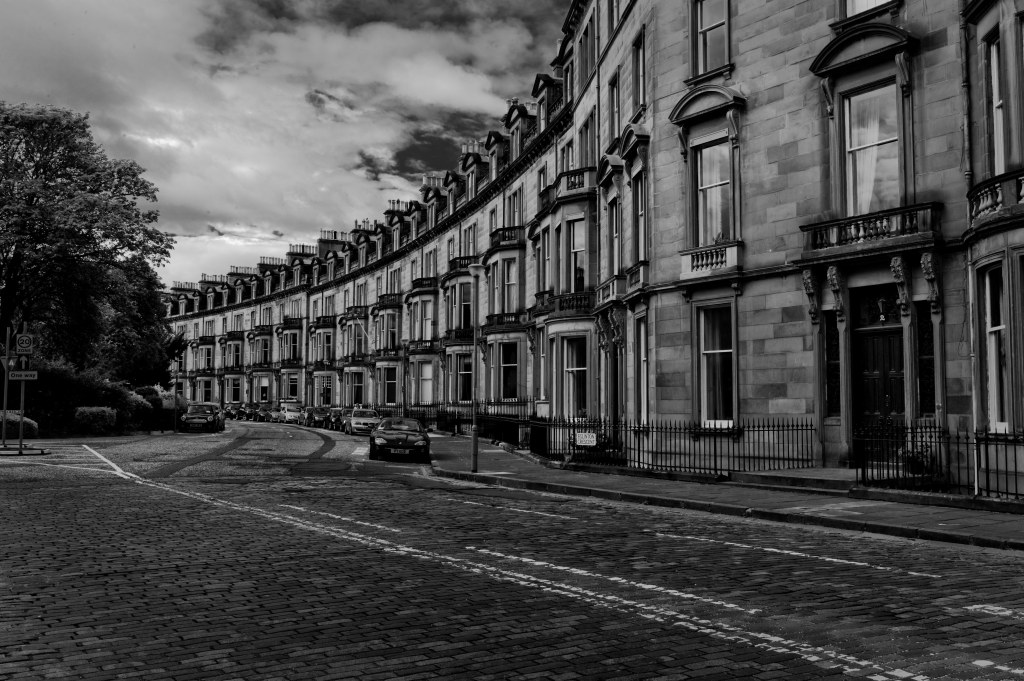 The streets of edinburgh 1003295
